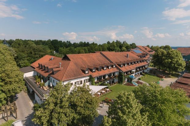 The luxurious hotel Drei Quellen Therme Bad Griesbach is a great spa temple.