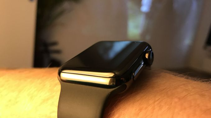 Even after four weeks of continuous testing, the Apple Watch Space Black Series 2 has no scratches. Photo: Sascha Tegtmeyer