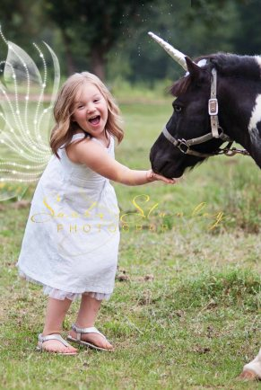 Sasha Stanley Photography : Atlanta, TX : Limited Edition Mini Session : Unicorn Fairy Child Photographer
