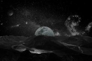 moon-2048727_960_720