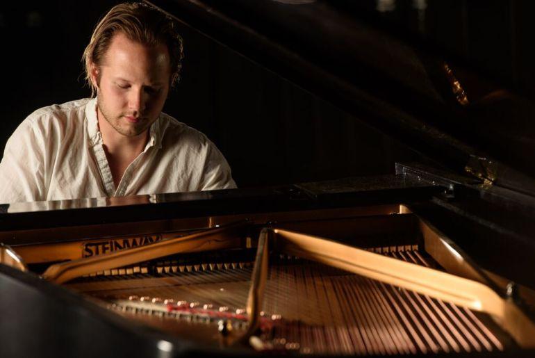 sam piano