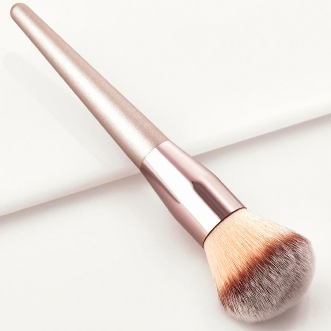 Silver Handled Ultra Soft n Fluffy Powder Brush
