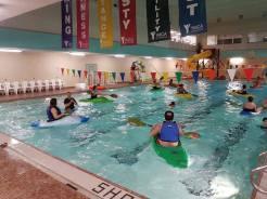 famil-paddling