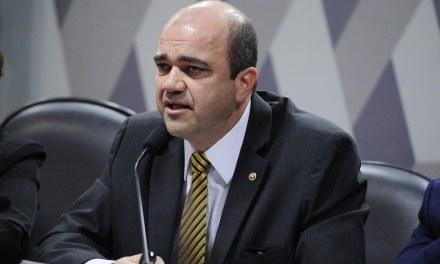 PGR entra com ação contra lei de terceirização