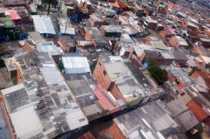 Comuna 1 seen from the Metrocable