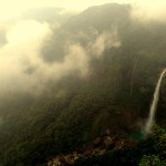 Nohkalikai Falls, Sohra, Meghalaya emerged from between the clouds and revealed themselves.