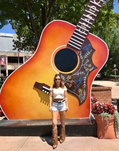 Grand Ol Opry Guitar