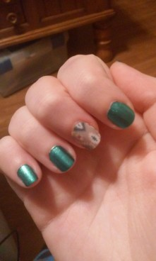 jamberry sample with green/teal nails