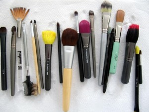 lay-your-brushes-flat-to-dry1-e1344707338942
