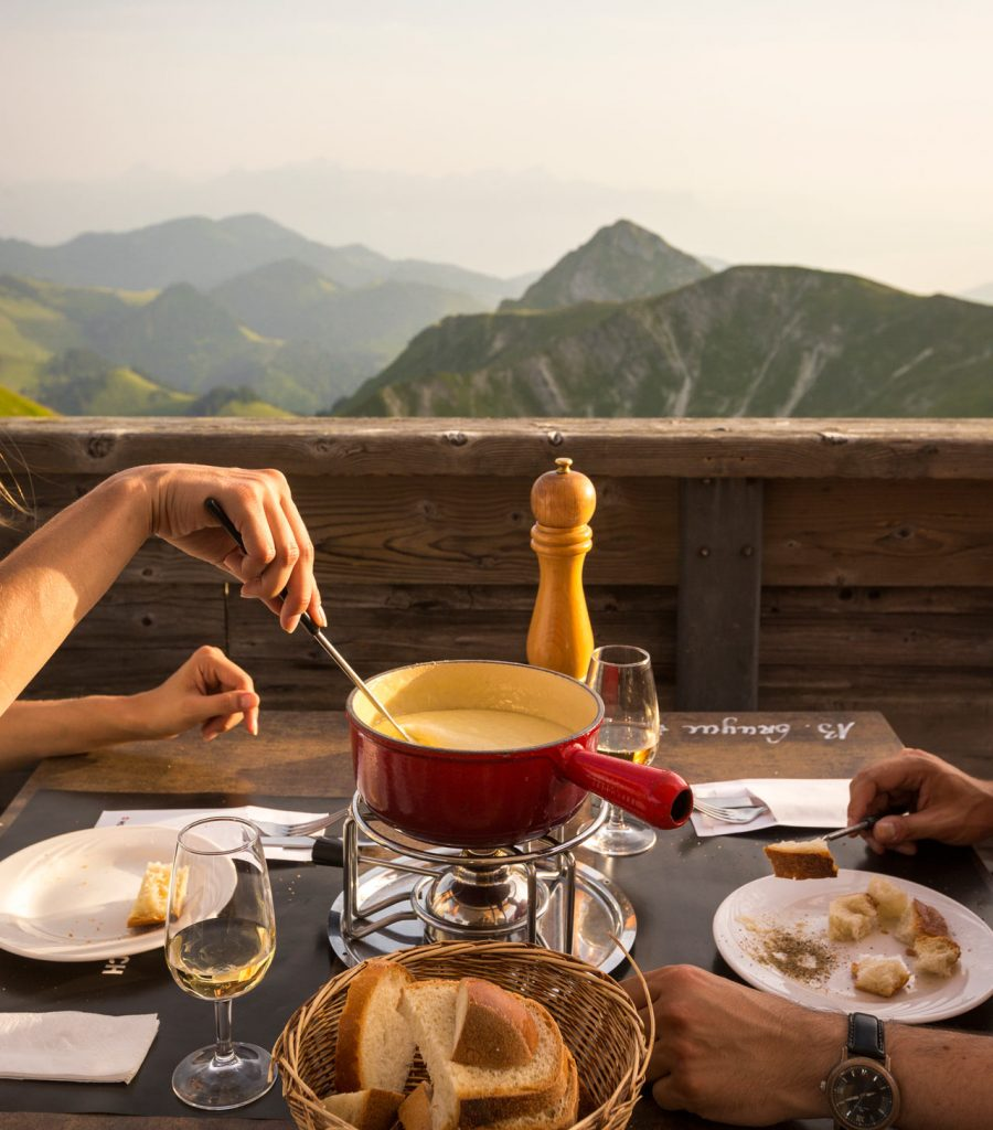 Swiss-Tourism-Fondue