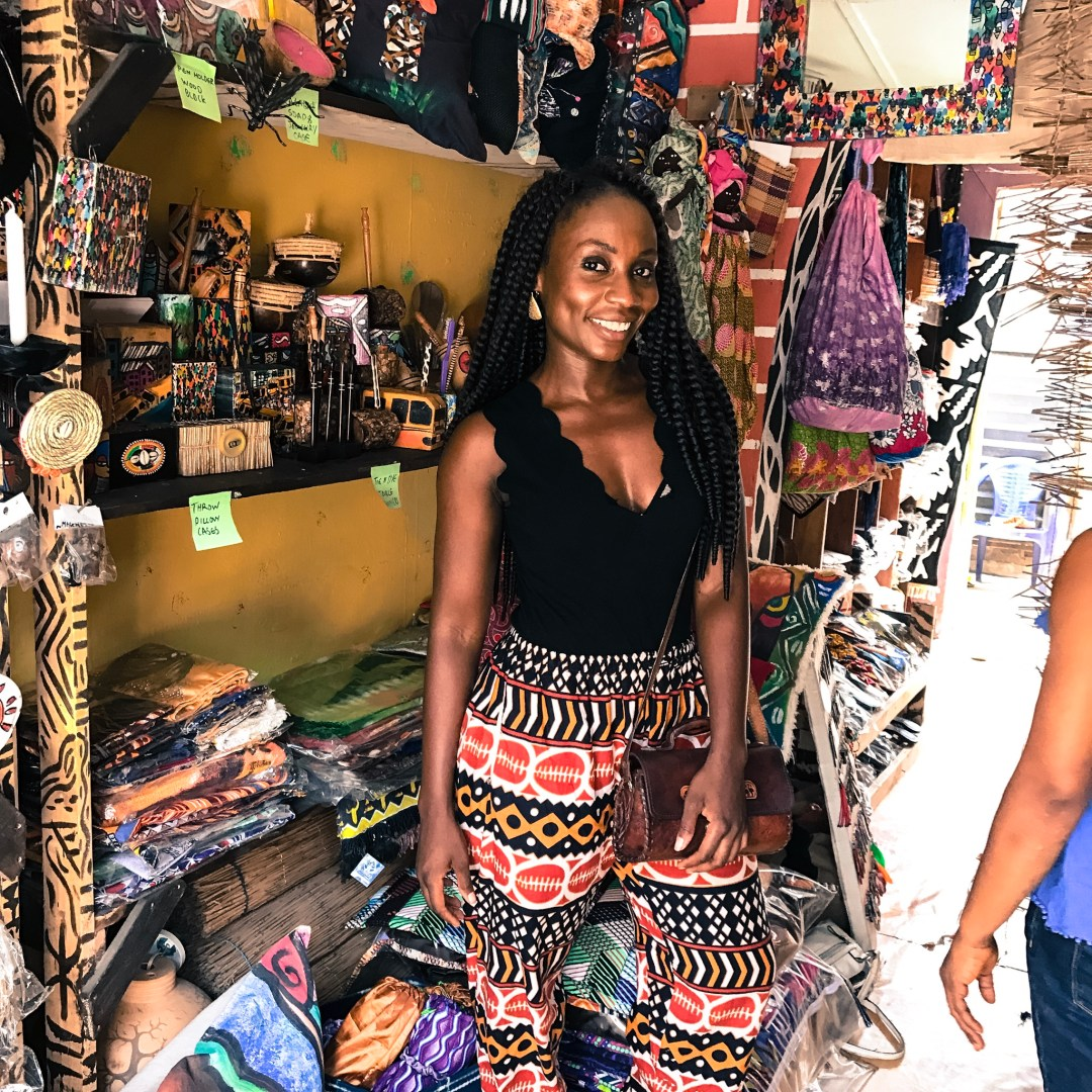 Lekki Arts   Craft (also known as Oba Elegushi International Market or  Jakande Art Market) is what I would call a gem that does well to showcase  the beauty ... 2a72dd735992d