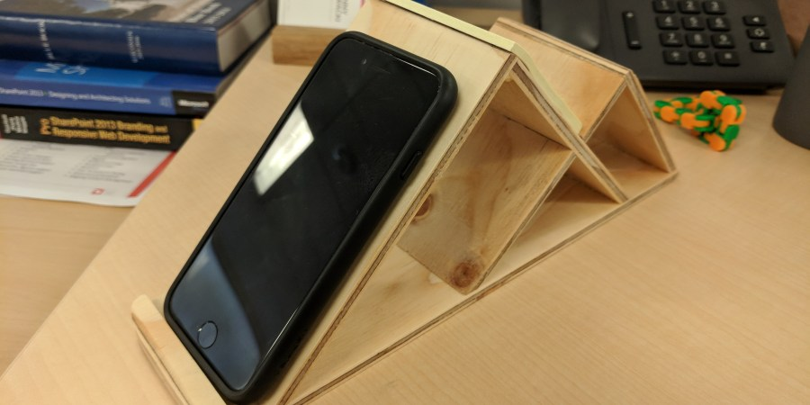 Mountain Phone Holder with Phone