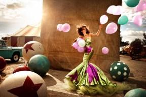 kristian-schuller-fashion-moda-photography-chicquero-balls-green-dress