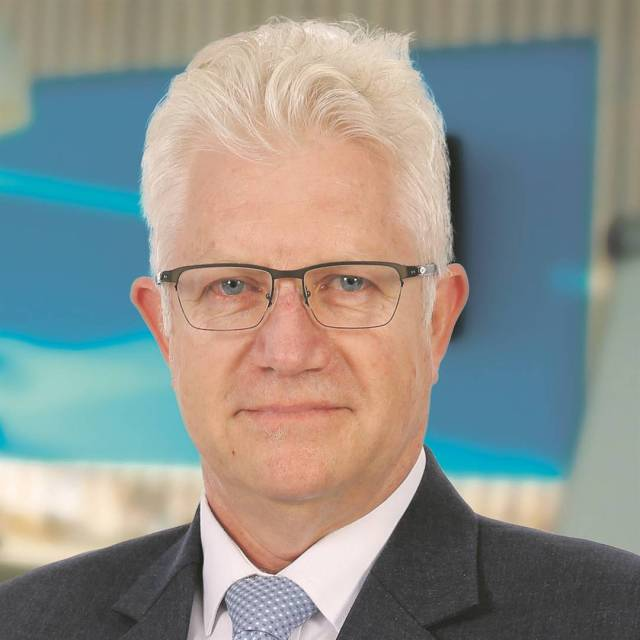 Alan Winde tests positive for Covid-19