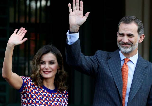 Spain's king distances himself from his father amid allegations of $100M transfer from ex-Saudi monarch