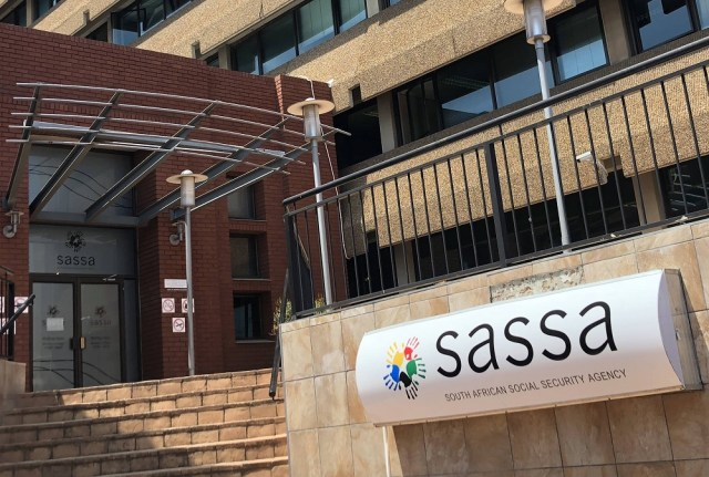 35% of calls made to Sassa are answered, now govt is spending R29m