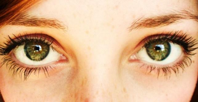mata hijau manusia