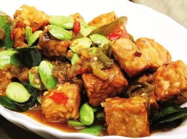 makanan khas temanggung empis-empis tempe