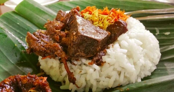 makanan khas gresik nasi krawu enak