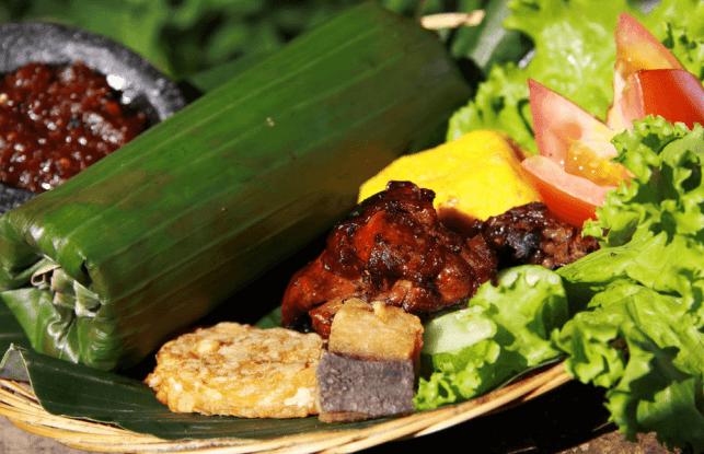 makanan khas sunda nasi timbel