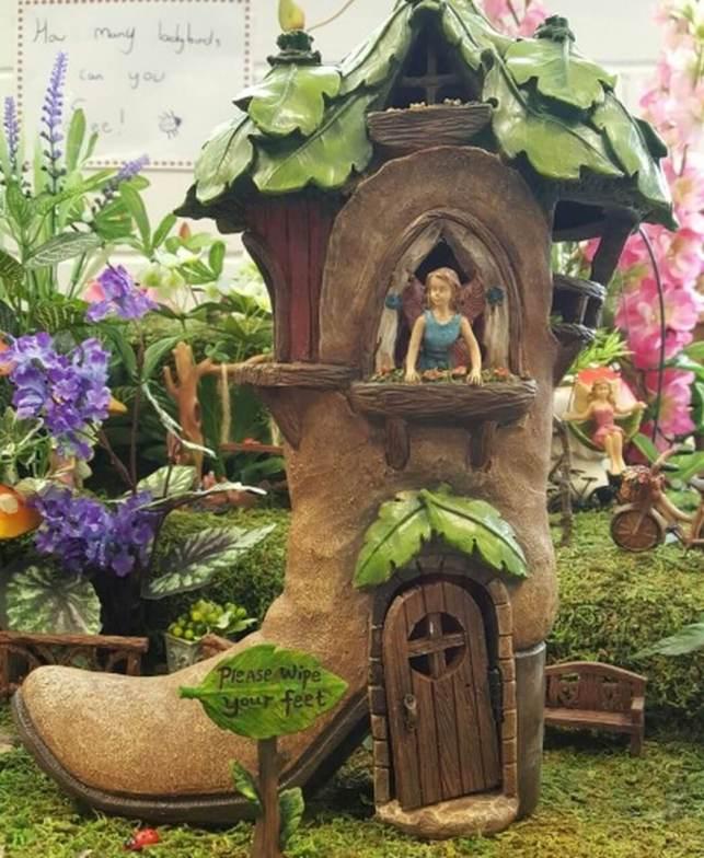 Fairy Boot House - cotton-gardencom