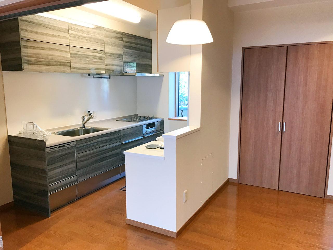 設計・デザインをさせていただいた木造平屋建てバリアフリー住宅の施主支給システムキッチン