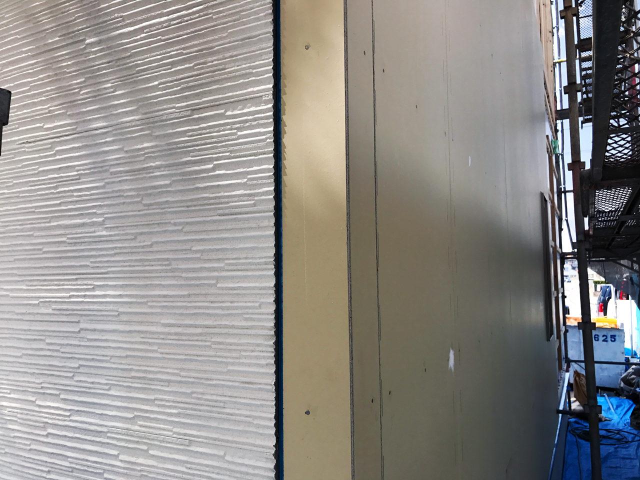 設計・デザインをさせていただいた店舗(鍼灸接骨院)付き住宅の外壁収まり検査