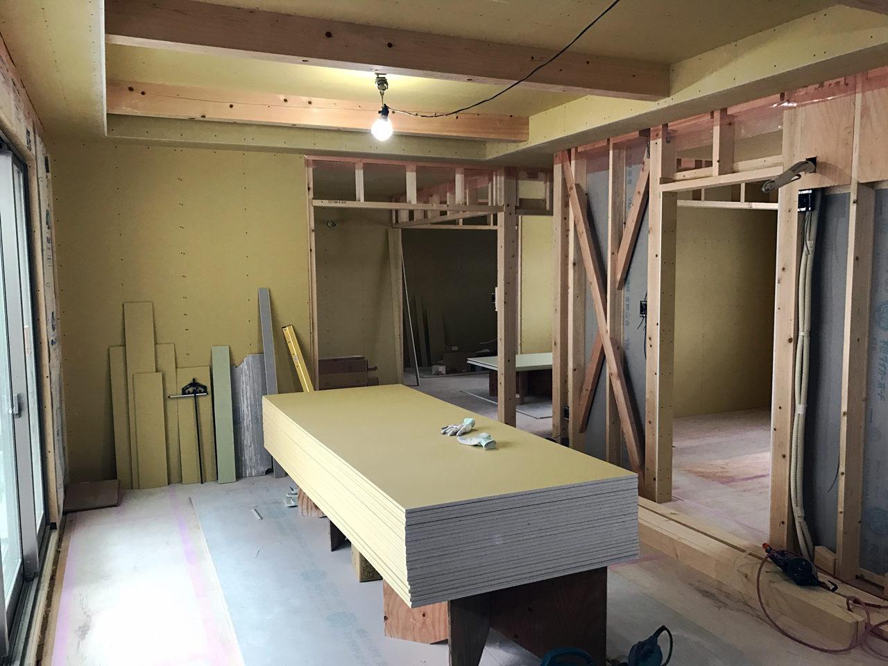 設計・デザインをさせていただいたレデイース治療院(はり・あん・マッサージ)付き二世帯住宅の子世帯LDK