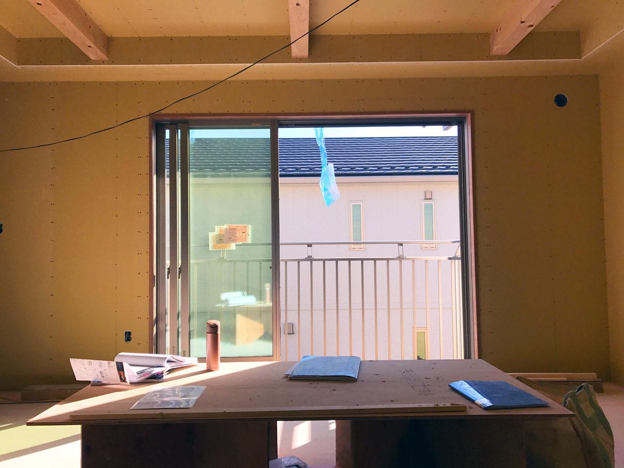 設計・デザインをさえていただいたレディース治療院(はり・あん・マッサージ)付き二世帯住宅の日当たりの良いLDK