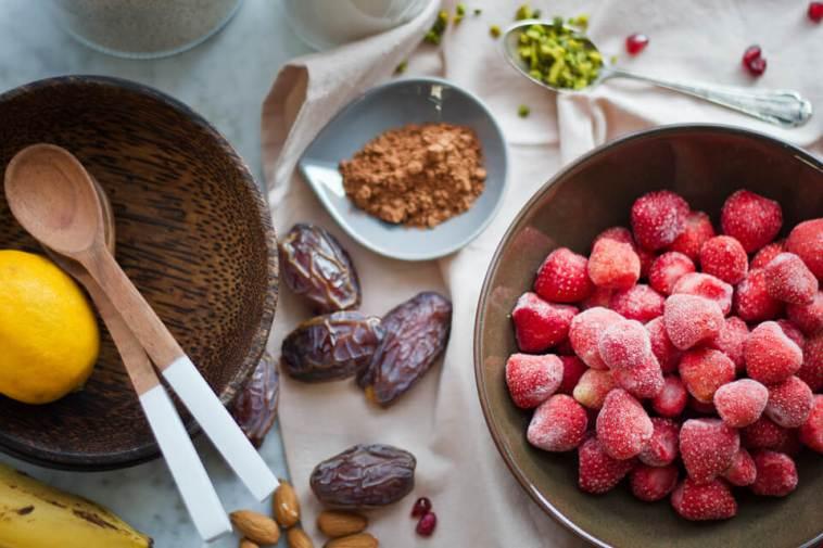 Erdbeer-Smoothie-Bowl, Gesunder Smoothie Rezept