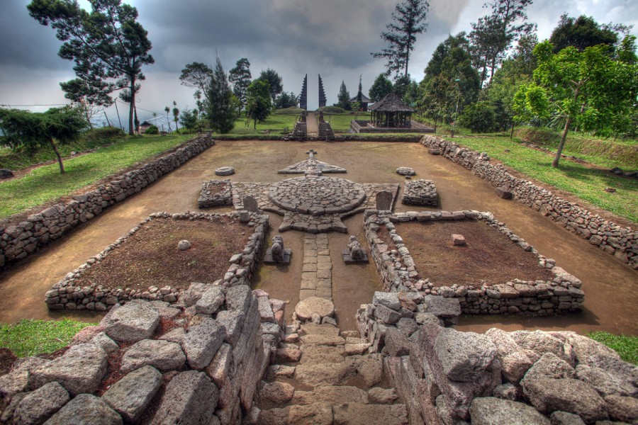 candi cetho misterius