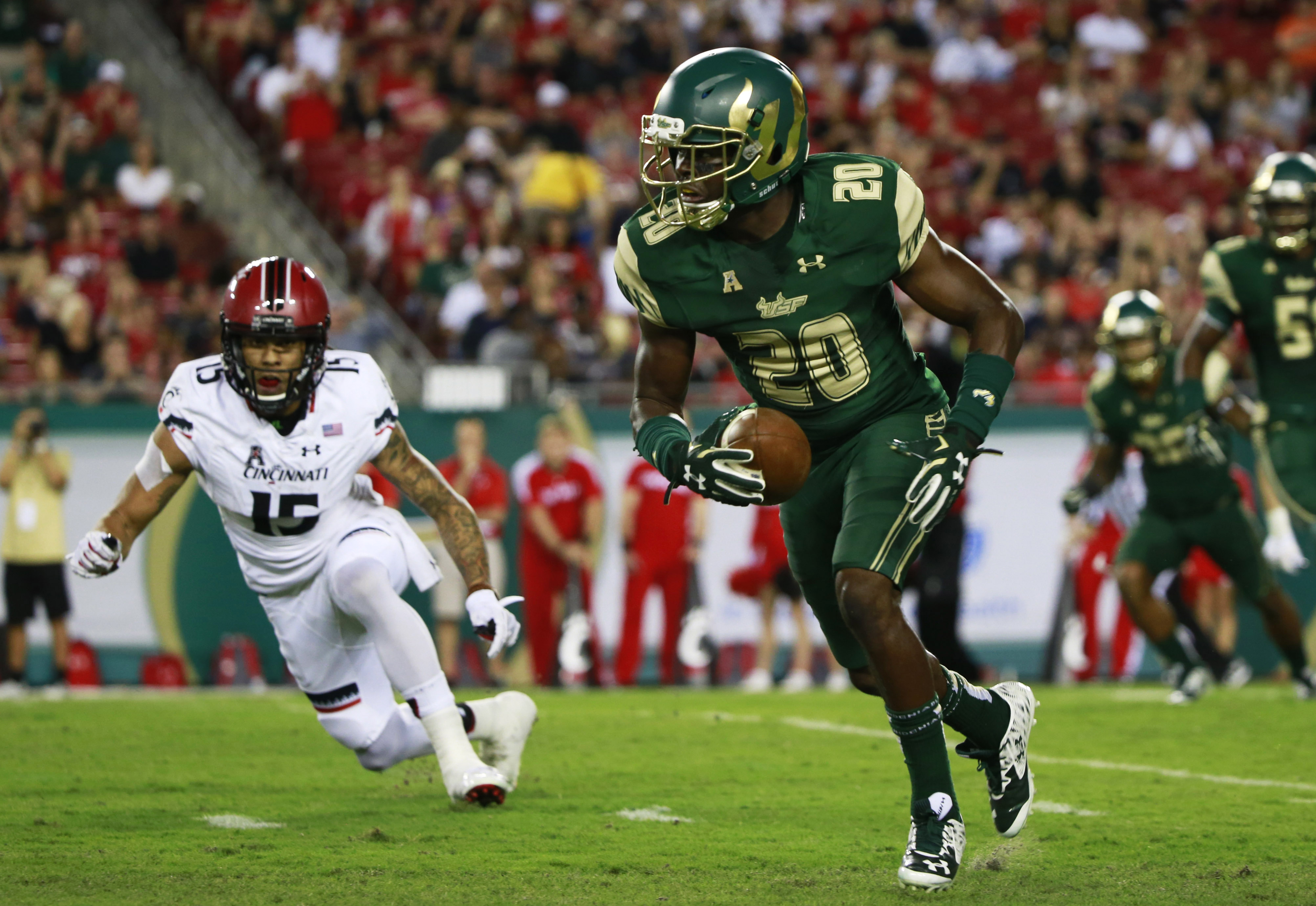 Friday S Illinois Usf Game Features Unique Father Son Matchup