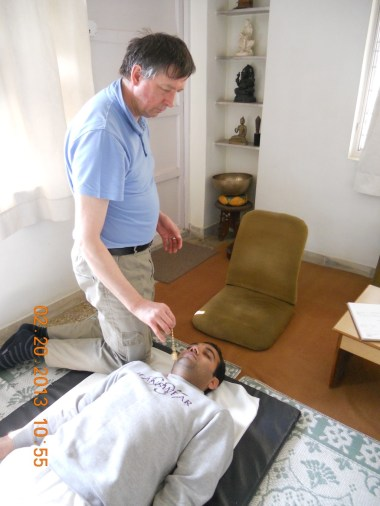 20170215we2158-satya-bodh-yoga-healing-center-photo-of-practice-of-pran-therapy-002