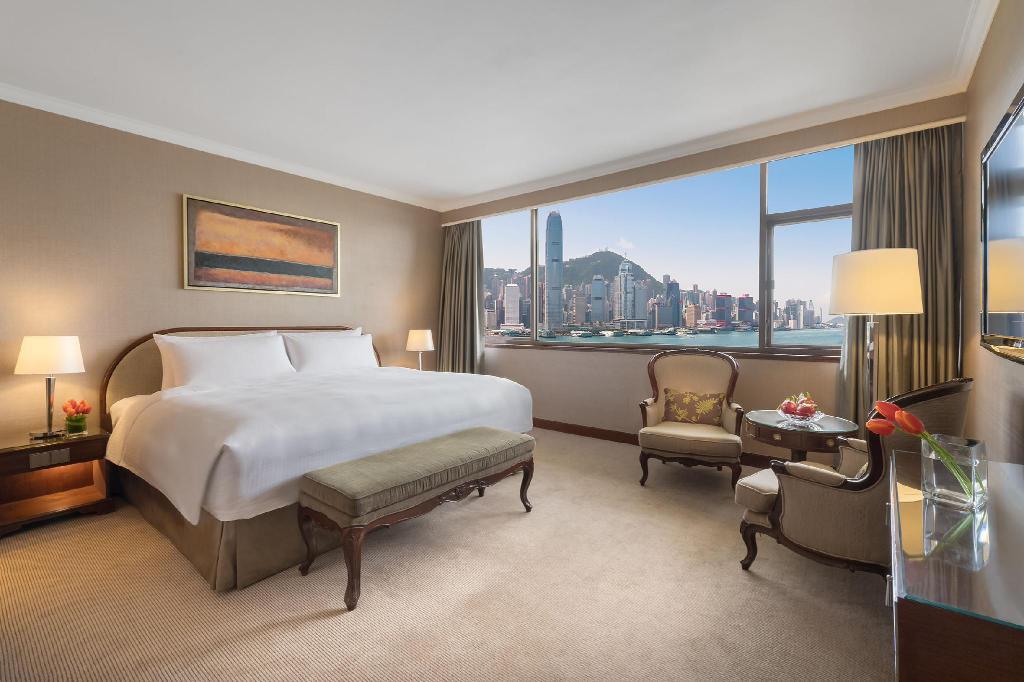 人均$675可享五星級海景套房,嘆維港夜景。