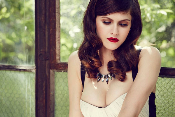 Alexandra Daddario sexiest pictures from her hottest photo shoots. (44)