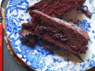 cranberry and chocolate cake recipe