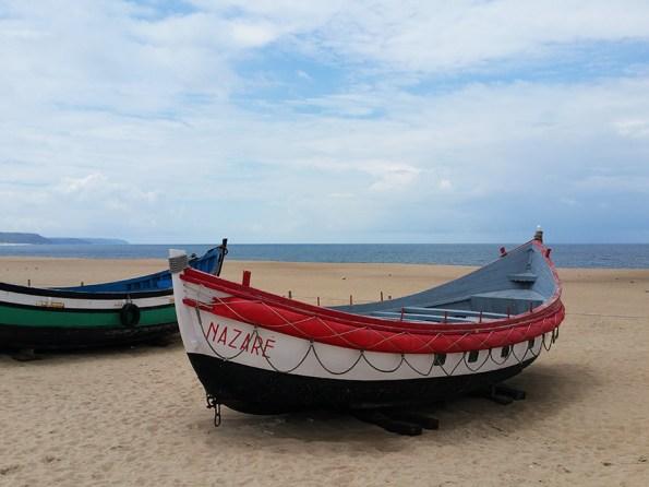 bootjes strand Nazaré
