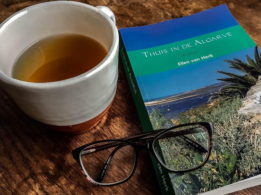 boek thuis in de algarve