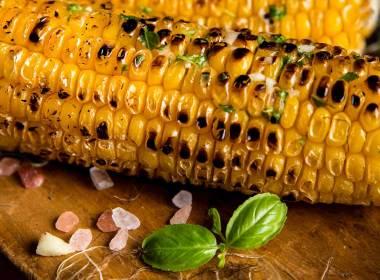 maçaroca de milho tostado
