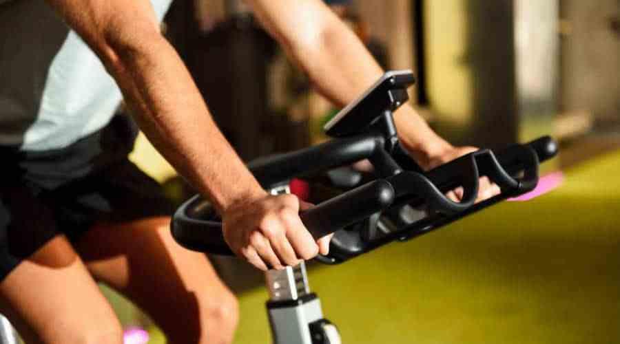 bicicleta ergométrica ou esteira