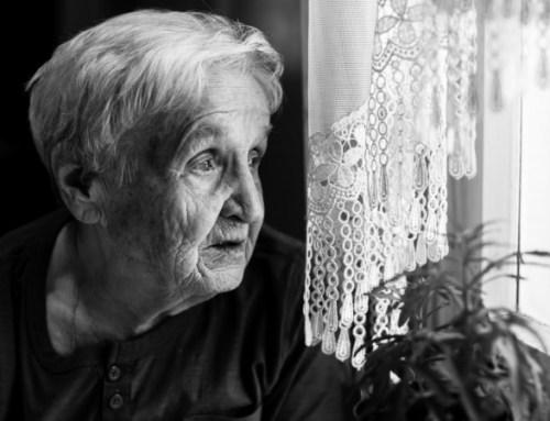 Doença de Alzheimer tem custos anuais equivalentes a 1% do PIB, estudo