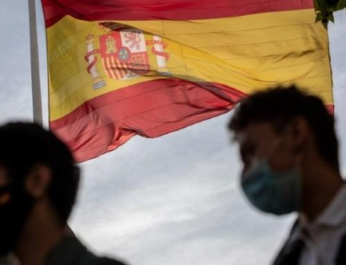 Espanha levanta obrigação de máscaras no exterior no dia 26