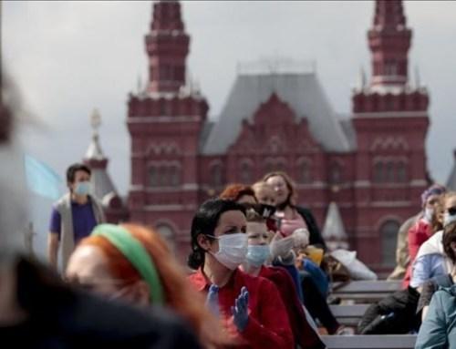 Putin dá uma semana de férias aos russos para travar pandemia