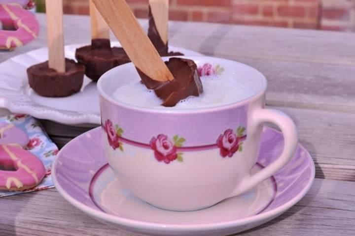 Chocolate Quente no Palito