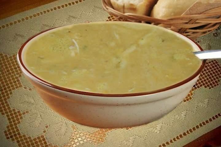 Sopa de Feijão Branco com Legumes e Frango