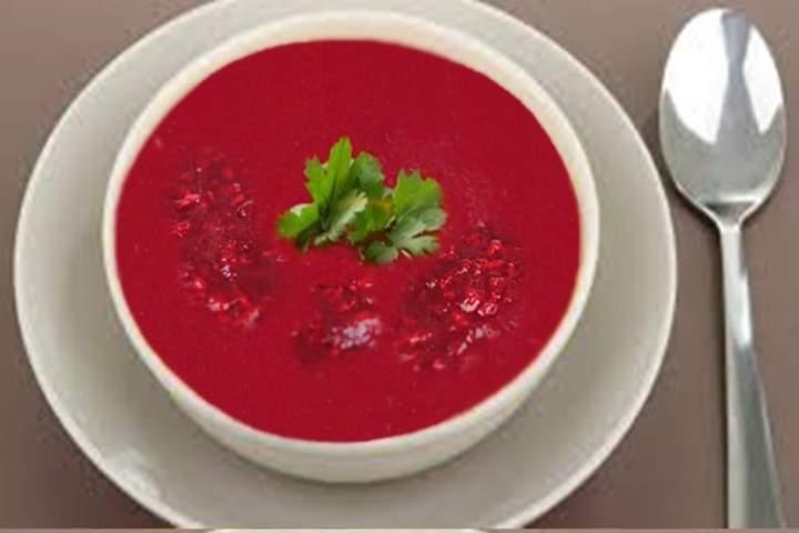 Sopa de Tomate com Beterraba