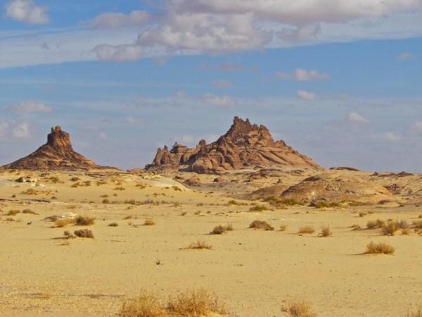 al naslaa landscape - arabian rock