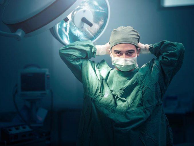 ما أضيق الحياة لولا فسحة الطب