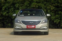 Hyundai-Mistra-Sedan-5[2]