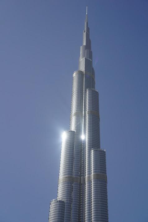 Viena iš Dubajaus pažibų - aukščiausias pasaulio pastatas